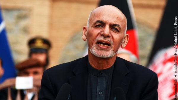 Талибы потребовали от Гани вернуть деньги
