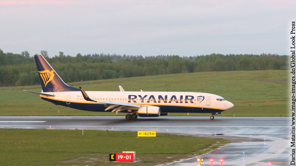 Лукашенко допустил принудительную посадку любого самолета в Белоруссии