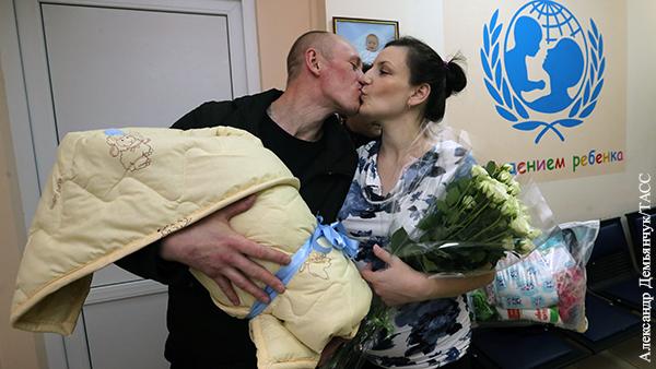 Путин вступился за семьи перед «моральными уродами»