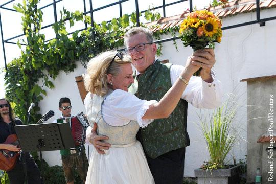 Свадебную церемонию главы МИД Австрии отложили ради Путина