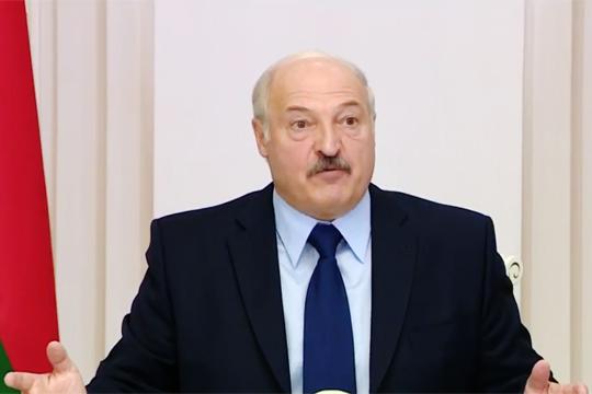 Лукашенко раскритиковал «безмозглую позицию» прежнего кабмина в диалоге с МВФ