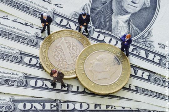 Bloomberg оценил способность России и Турции подорвать монополию доллара