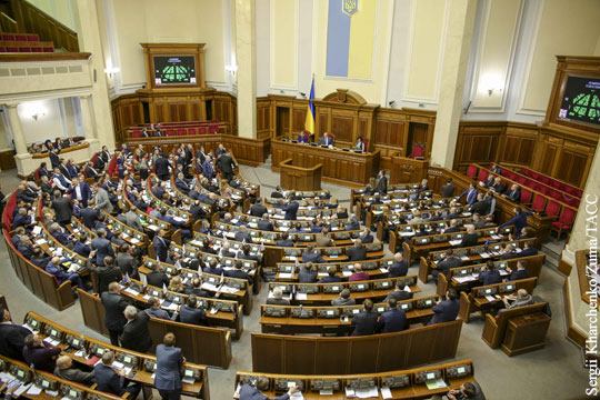 Украинские депутаты почтили минутой молчания жертв керченской трагедии