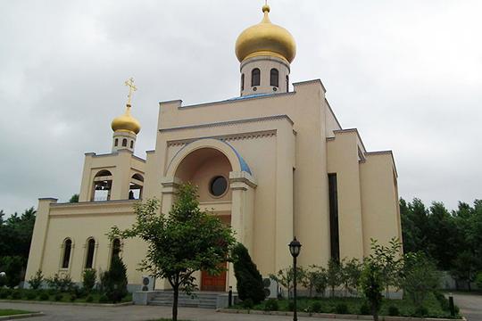 Константинополь решил отнять храм РПЦ в КНДР
