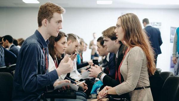 Поднимите руки, кто хочет работать в Газпроме