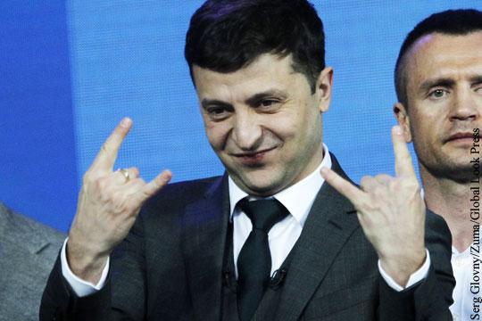 Порошенко и Зеленский не смогли собрать стадион