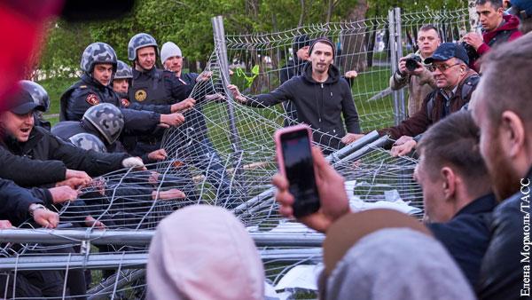 Политика: Путин показал екатеринбуржцам дорогу к храму