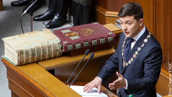 В мире: Популизм Зеленского приведет к новому кризису на Украине