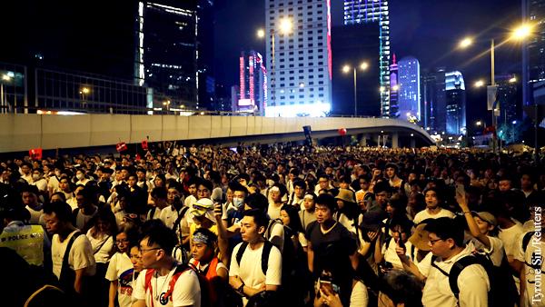 Кому выгодны массовые протесты в Гонконге