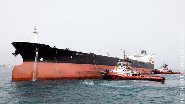 На нефтяные танкеры в Оманском заливе совершена атака
