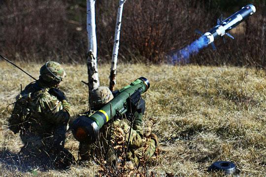 Волкер велел Украине покупать оружие у США