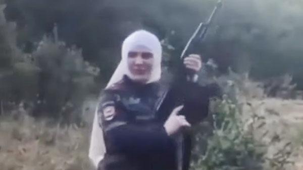 Скандальную блогершу с автоматом оштрафовали в Чечне на 40 тыс. рублей