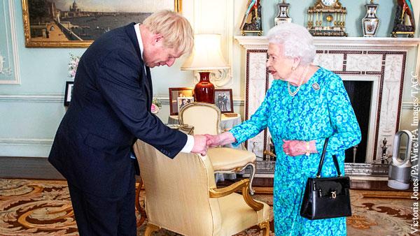 Британскую королеву вынуждают вмешаться в политику
