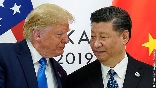Китай призвал Трампа «прекратить совать свой нос» в дела Гонконга