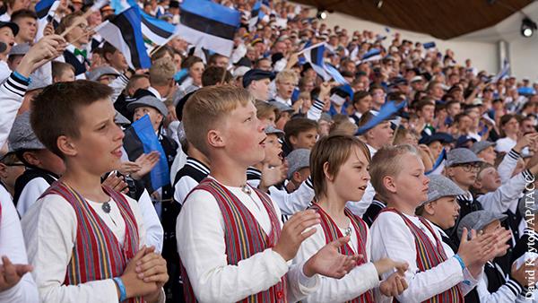 Эстонские «нацисты» защитили русский язык