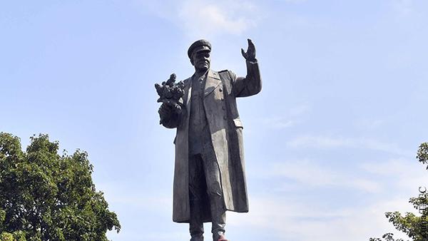 Власти Праги решили перенести памятник Коневу